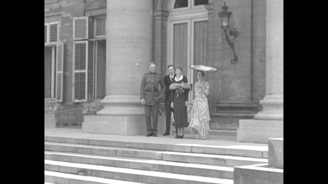 'Earhart and Albert Brussels King Albert of Belgium and Queen Elizabeth receive Amelia Earhart Putnam at the royal palace June 13 1932' / Amelia...