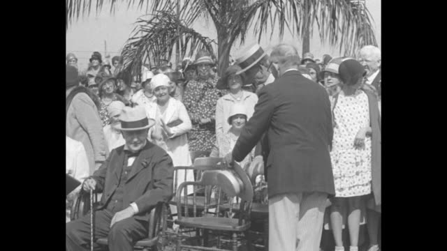 vídeos y material grabado en eventos de stock de edison honored on 83rd birthday fort myers fla wizard attends unveiling of plaque with mrs edison henry and mrs ford / thomas edison and wife mina... - fort myer