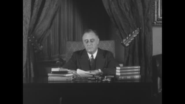 """""""extra"""" / title card: """"roosevelt plea urges faith in banks"""" / title card: """"in this important message the president explains action in crisis and asks... - bank stock videos & royalty-free footage"""