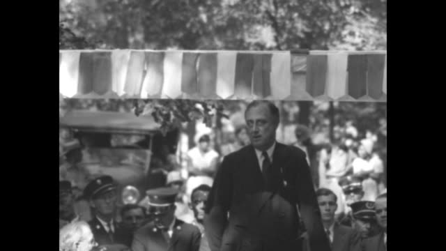 vídeos de stock e filmes b-roll de franklin d roosevelt favorite son at georgia barbecue new york governor acclaimed by dixie democrats as he speaks in warm springs / vs ny gov... - 1931