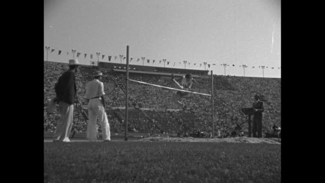 'High Jump Women Won by Jean Shiley US No 480 Height 5 ft 5 ¼ in New World's Record' / Canadian Eva Dawes runs but dislodges bar for Bronze medal men...