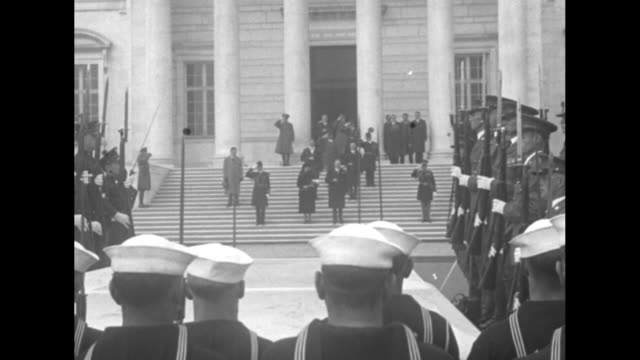 """title card """"hoover leads hero tribute, arlington, va - president and mrs. lou hoover lay flowers on the tomb of the unknown soldier"""" / president... - radio broadcasting stock videos & royalty-free footage"""
