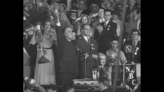 vídeos y material grabado en eventos de stock de in 1932 democrats take elections with pronounced wet leanings voters turn to franklin roosevelt and his 'new deal' / crowded democratic convention... - franklin roosevelt