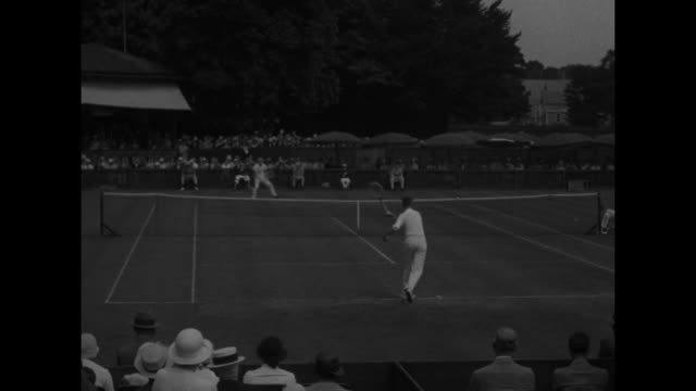 In Newport Ellsworth Vines of Pasadena shows championship form against Allison of Texas / tennis court at Newport Casino with Ellsworth Vines playing...
