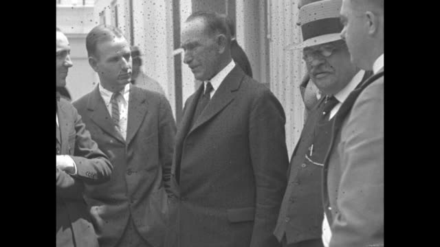 in the limelight washington dc president's father visits white house for the first time col john c coolidge can't escape the evervigilant reporters /... - 1924 stock videos and b-roll footage