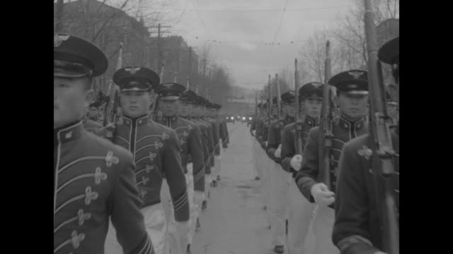 stockvideo's en b-roll-footage met korea salutes rhee on 81st birthday superimposed over military parade / reviewing stand with rhee and wife francesca donner / vs marching soldiers... - south korean army