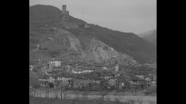 Landslide Kills 10 Novi Ligure Falling mountainside buries Italian town Panic grips 800 villagers as whole cliff of rock demolishes homes in night...