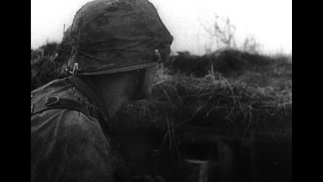 """le monde en guerre… "" / world war ii / french language / eastern front / caption: leningrad, lac ilmen and moscou over face of german soldier /... - world war ii stock-videos und b-roll-filmmaterial"