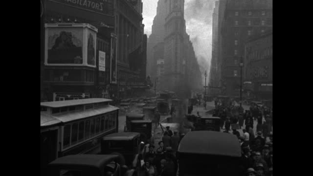 "vídeos de stock, filmes e b-roll de ""list big noises on white way. new york - commission on noise abatement studies times square sound effects"" / times square automobile, trolley and... - 1920 1929"