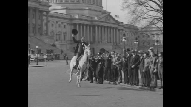 """""""news flashes!"""" rep. percy lee gassaway walks down ext steps of capitol to white horse standing by """"no parking"""" sign / vs rep percy lee gassaway... - no parking sign stock videos & royalty-free footage"""
