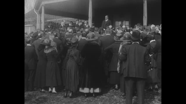 "vídeos de stock, filmes e b-roll de ""oyster bay, li, 'buy a liberty bond,' cries col. roosevelt with his old time vigor, as he launches the third liberty loan campaign here"" /... - ex"
