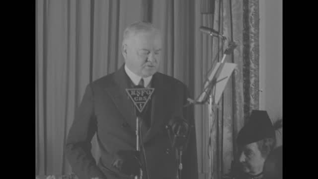 """""""peace - arm to keep it hoover advises"""" / sot former president herbert hoover standing beside banquet table, microphone before hoover """"ksfo-cbs"""" for... - missions of california film title stock videos & royalty-free footage"""