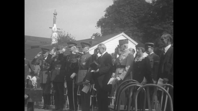 vídeos de stock, filmes e b-roll de pershing sees france honor us at colonial fete aef commander reviews parade of parisian troops dressed in uniforms of 1776 on veterans' day at... - colonial
