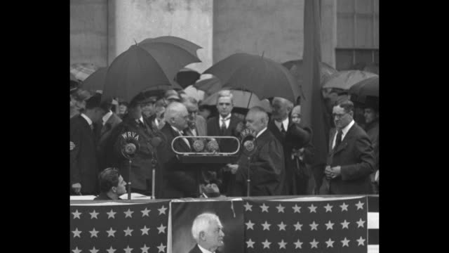 Pollard becomes Virginia's chief Richmond Va Chief Justice Prentis administers oath to new Governor in only 1930 inaugural / The inaugural platform...