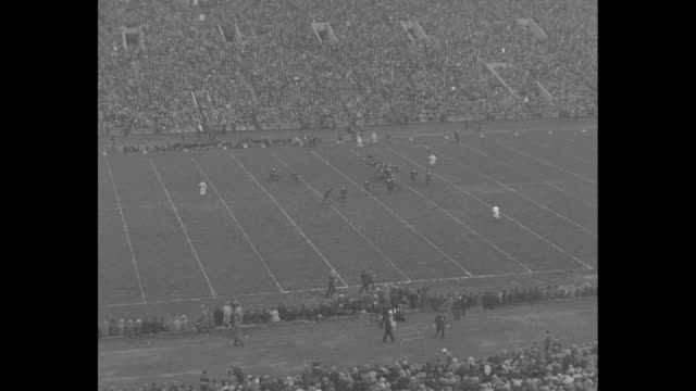 Rockne's Irish Beat Wisconsin Chicago 90000 jam Soldiers Field to see Notre Dame eleven battle Badgers / GV football stadium kickoff starts Notre...