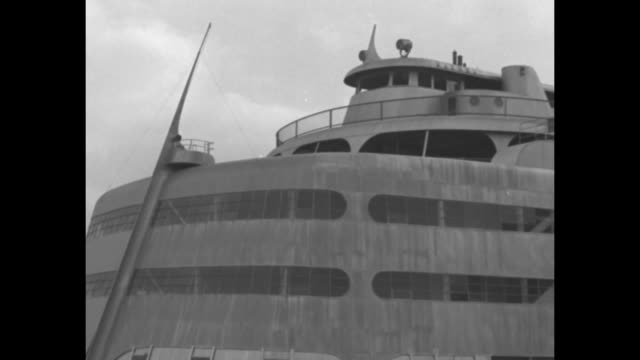 showboat largest ever built for mississippi river / a pan of the metal hulled art deco ship and its wheelhouse this ss admiral is being rebuilt from... - bridge built structure stock videos & royalty-free footage