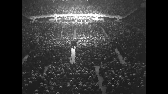 """vídeos de stock e filmes b-roll de """"tammany rallies behind o'brien for ny mayor - here is city democratic convention which named friend of leader curry"""" / overhead shot of city... - madison square garden"""