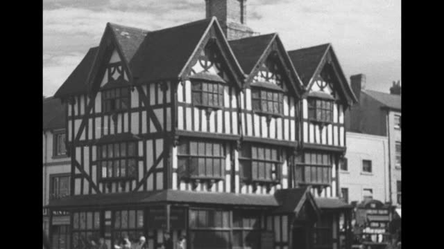 The city on the Wye Hereford / VS Hereford Cathedral / VS quaint narrow street / VS Old House with halftimbered wattle and daub construction / VS...