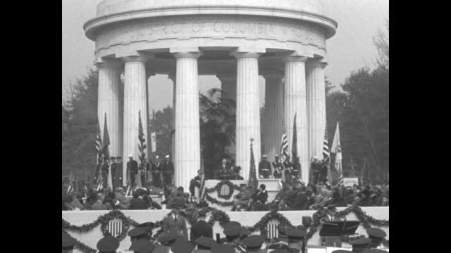 the president declares confidence must be restored / ws district of columbia war memorial surrounded by soldiers sailors and flags / president... - herbert hoover us president stock videos & royalty-free footage