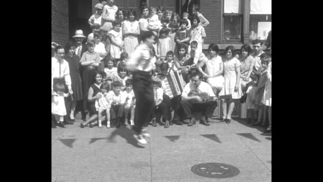 this won him fame in italy chicago vincenzo celli once newsboy flits in dance that took milan's fancy / celli ballet dancing in the street to... - 1920 1929 stock-videos und b-roll-filmmaterial