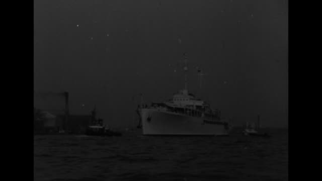 tito arrives / shot from moving boat of yugoslavian presidential yacht galeb carrying josip tito steaming into thames river / galeb with tugboats... - winston churchill politik stock-videos und b-roll-filmmaterial