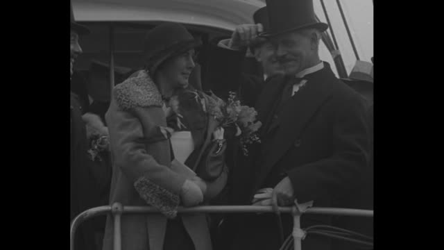 """""""welcome macdonald - new york greets england's prime minister on peace mission"""" / ocean liner carrying british prime minister ramsay macdonald... - pier stock videos & royalty-free footage"""