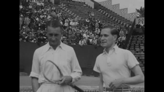 'Stade Roland Garros Finale du simple messieurs des Championnats de France internationaux Von Gramm est champion de France de tennis Il a battu...