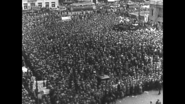 """""""rough on reds!"""" superimposed over us communists being put into police van / newspaper headline reading """"us protests to the soviet over reds'... - newspaper strike stock videos & royalty-free footage"""