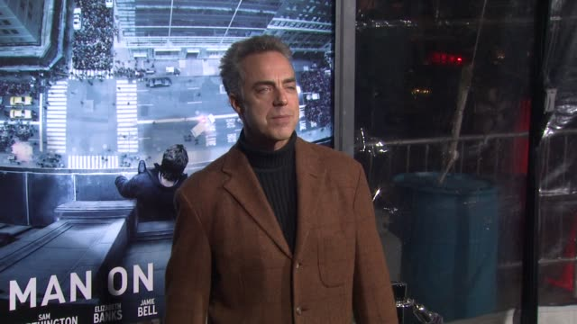 stockvideo's en b-roll-footage met titus welliver at man on a ledge los angeles premiere on 1/23/12 in hollywood ca - titus welliver