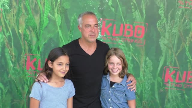 stockvideo's en b-roll-footage met titus welliver at the premiere of focus features' kubo and the two strings at amc universal city walk in universal city in celebrity sightings in los... - titus welliver
