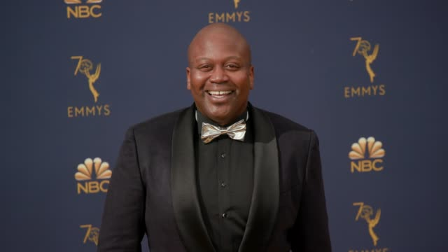vídeos de stock, filmes e b-roll de tituss burgess at the 70th emmy awards arrivals at microsoft theater on september 17 2018 in los angeles california - 70th annual primetime emmy awards