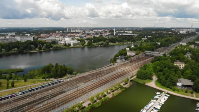 stockvideo's en b-roll-footage met töölönlahti bay in helsinki, finland - finland