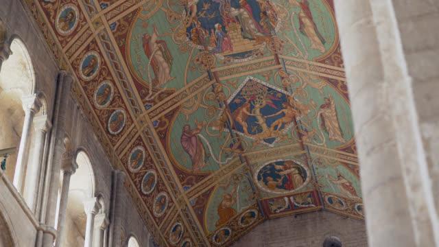 pf to ornate nave ceiling in ely cathedral, uk - 聖書の人物 イブ点の映像素材/bロール