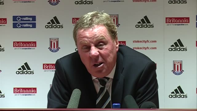 to stoke's 21 win over spurs redknapp rages at the referee for penalties not given and disallowed goal plus kabul's red card he disagrees the defeat... - ハリー レッドナップ点の映像素材/bロール
