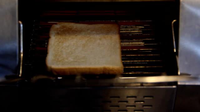 vídeos y material grabado en eventos de stock de pan tostado - tostada