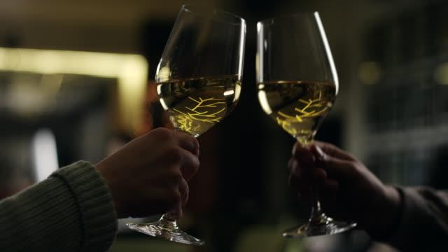 Toast mit Weißwein
