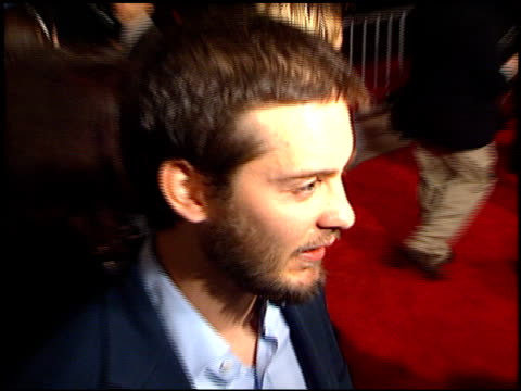 tobey maguire at the 'deconstructing harry' premiere on december 5 1997 - tobey maguire stock videos and b-roll footage