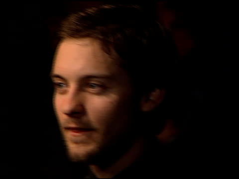 tobey maguire at the 'wonder boys' premiere at paramount studios in hollywood california on february 22 2000 - tobey maguire stock videos and b-roll footage