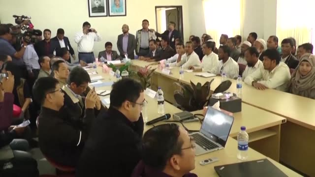 stockvideo's en b-roll-footage met today's discussion didn't bring any result says top rohingya leader sayed ullah following repatriation talks with myanmar officials in kutupalong... - repatriëring