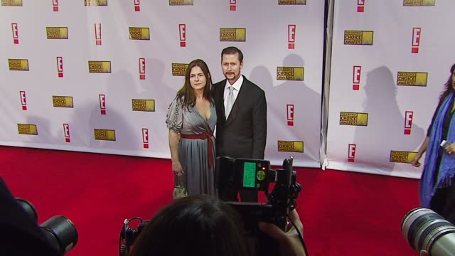 todd field and wife serena rathbun at the broadcast film critics association's 2007 critic's choice awards at santa monica civic auditorium in santa... - broadcast film critics association stock videos & royalty-free footage