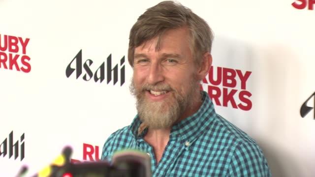 "todd oldham at ""ruby sparks"" new york special screening at sunshine landmark on july 11, 2012 in new york, new york - ランドマークサンシャインシアター点の映像素材/bロール"