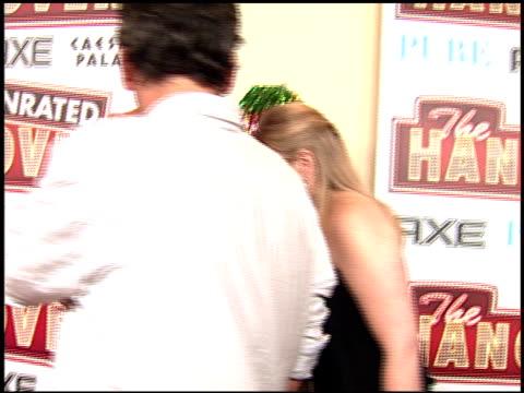 todd phillips at the 'the hangover' dvd launch event at las vegas nv - una notte da leoni video 2009 video stock e b–roll