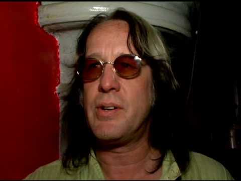 todd rundgren/ musician/producer he talks about his upper darby roots, his first rock concert, his contribution to the 'bat out of hell' trilogy... - moderne rockmusik stock-videos und b-roll-filmmaterial