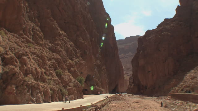 ws td todra gorge in high atlas mountains, todra, morocco - ravine stock videos & royalty-free footage