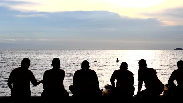 stockvideo's en b-roll-footage met togetherness - menselijke arm