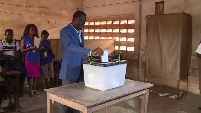 Togo President Faure Gnassingbe casts his vote in his country's presidential elections
