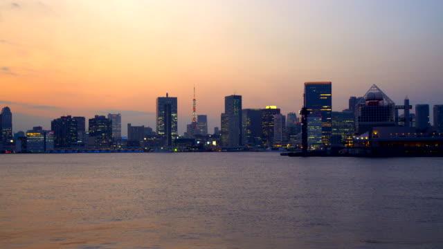 tokyo bay and rainbow bridge at dusk - plusphoto stock videos & royalty-free footage