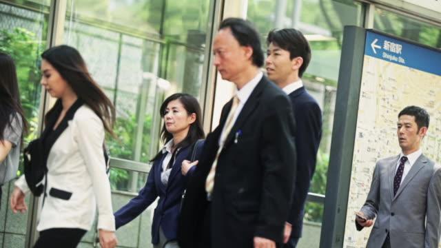 tokyo commuters - 通勤点の映像素材/bロール
