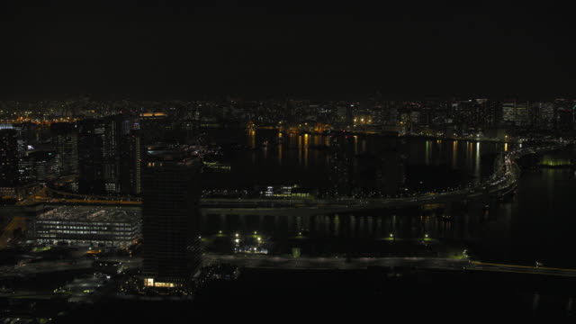 vídeos de stock, filmes e b-roll de tokyo night aerial image - tokyo bay area - baía