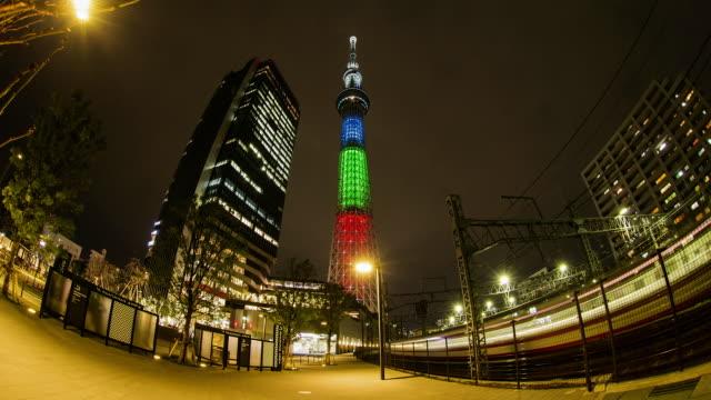 tokyo sky tree at night - スカイツリー点の映像素材/bロール